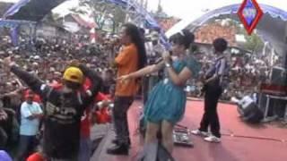 Download lagu monata LIVE werdoyo angge orong2 wiwk sagita MP3