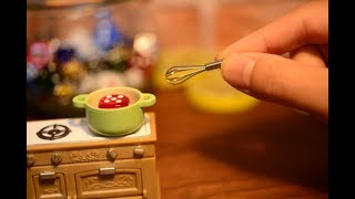 Stopmotion cooking -How its made, Miniature Yoshi!
