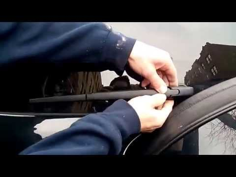 HOW TO replace TOYOTA  RAV4 rear wiper blade