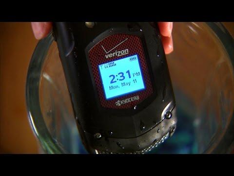 Verizon's waterproof Kyocera DuraXV is built tough