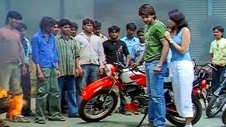 Prajwal Devraj Gets Trapped By Local Gang Of Gunda's