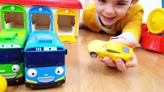 Wheels on the Bus * Playing with Tayo Buses