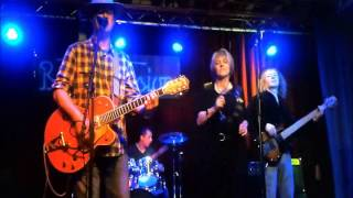 "Beatsession Mütze, Indy-Günni & The Björns, ""It hasn´t gone away"""