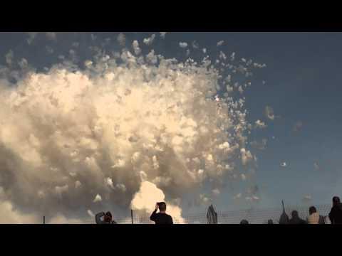 Adelfia feu d 39 artifice de jour youtube for Sud arredi adelfia