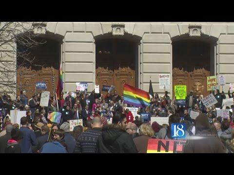 Thousands rally against 'religious freedom' law