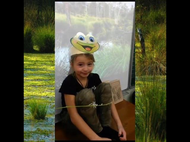 Изображение предпросмотра прочтения – «МБОУ Сургутский естественно-научный лицей» читают произведение «Сказка о желтой лягушке» И.С.Тургенева