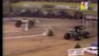 first 2 goldberg vs. grave digger races