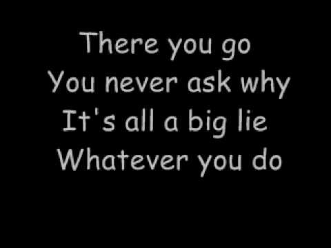 Simple Plan:Shut Up (lyrics)
