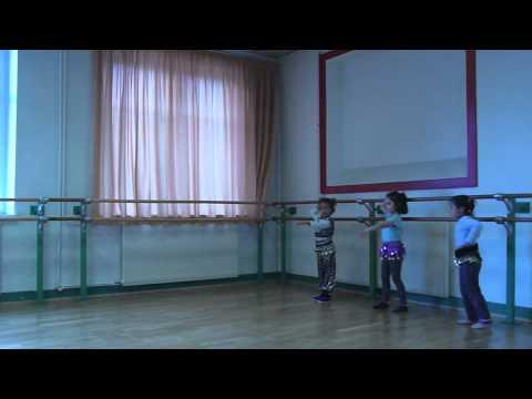 Danse orientale enfants.