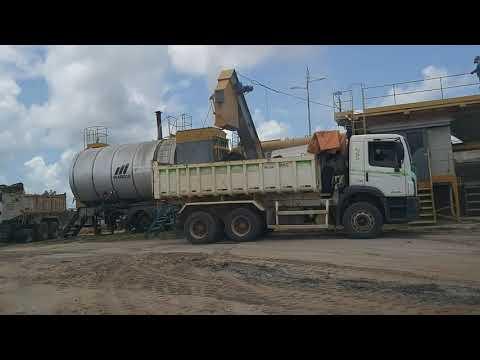 Usina de asfalto em Sena Madureira