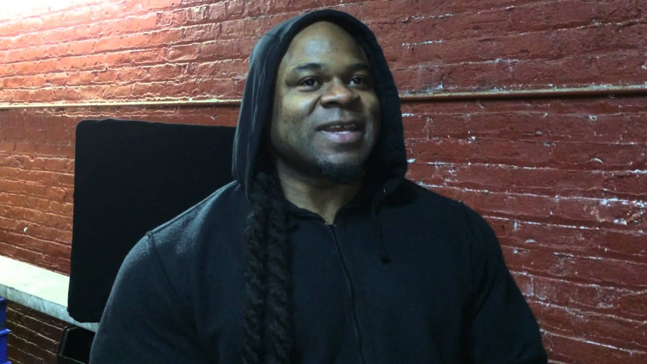 Kai greene rooftop art studio youtube for Kai greene painting