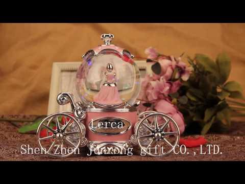 Wedding Carriage Musical Snow Globe