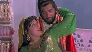 Mat Poochh Ke Kis Ke Aashiq Hain - Dharmendra, Hema Malini, Meharbaani Song