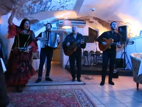 Riga: gypsy singers  at the restaurant