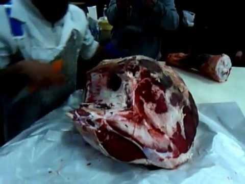 La carne come si disossa il quarto posteriore di un - Come cucinare fettine di bovino ...