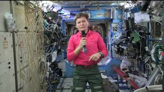Space Station Commander Discusses Her Record Flight with the Media