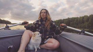 ОДНА на озере с ночевкой! Рыбалка на поплавок. Осталась с голой жопой!