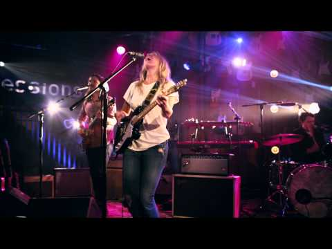 """Lissie """"Further Away (Romance Police)"""" Guitar Center Sessions on DIRECTV"""