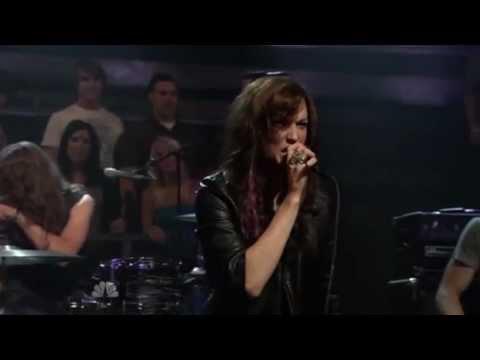 Halestorm - Familiar Taste of Poison Live on Jimmy Fallon 2010