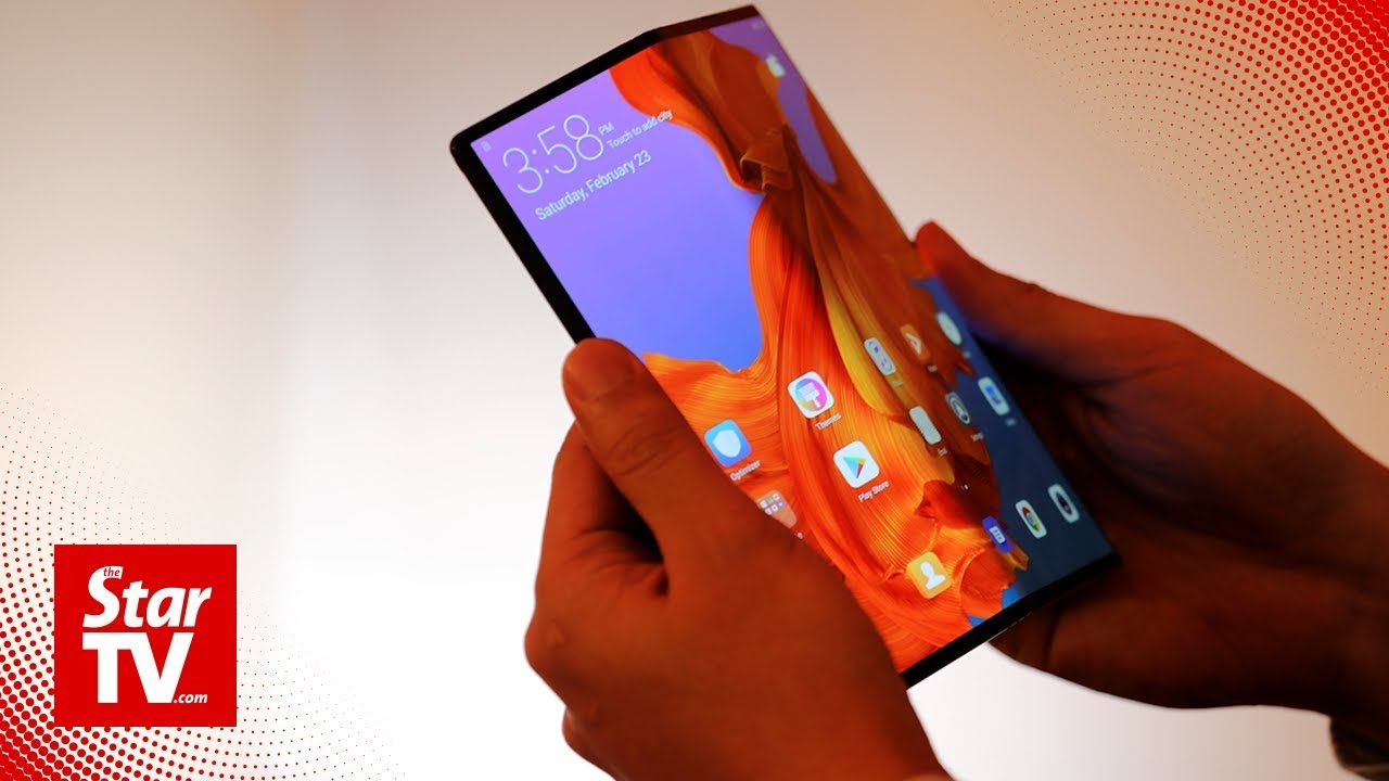 Huawei breaks price ceiling with US$2,600 folding 5G smartphone