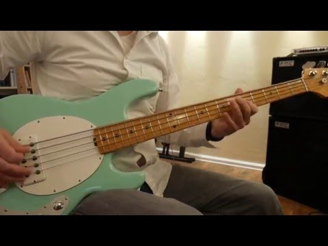 Musicman StingRay 5 Comparisson: ALNICO vs. Ceramic, 2-Band vs. 3-Band