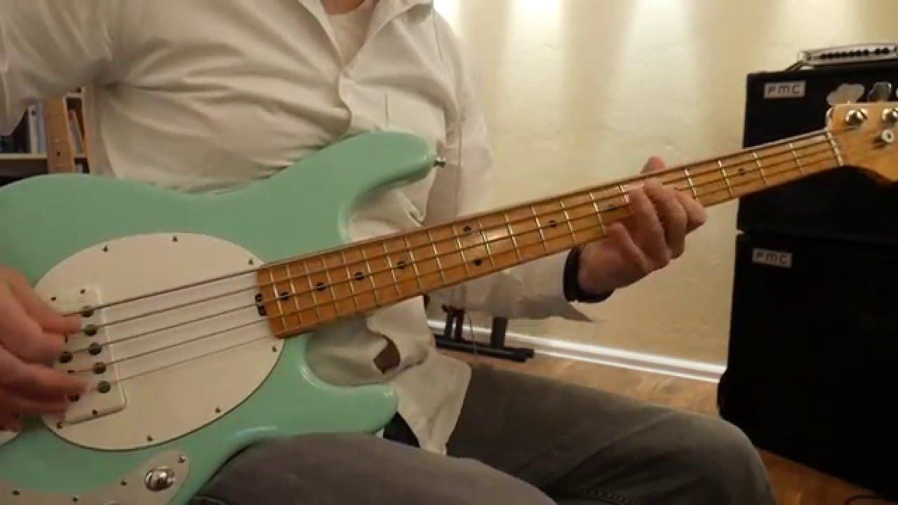 Musicman StingRay 5 Comparisson: ALNICO vs. Ceramic, 2-Band vs. 3 ...