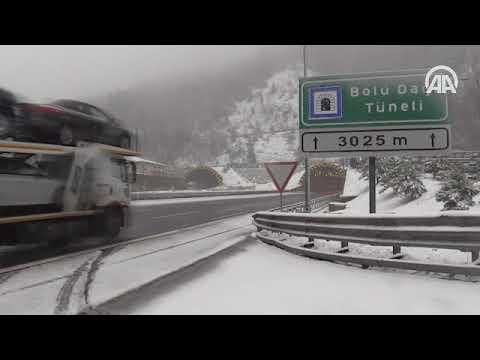 Bolu Dağı'nda kar yüzünü tekrar gösterdi