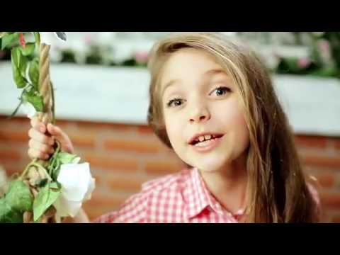 Ukraynalı öğrencilerden Türkçe Olimpiyatları şarkısı Yeni Bir Dünya Dinle