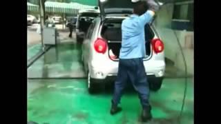 Mycie auta na kozaku