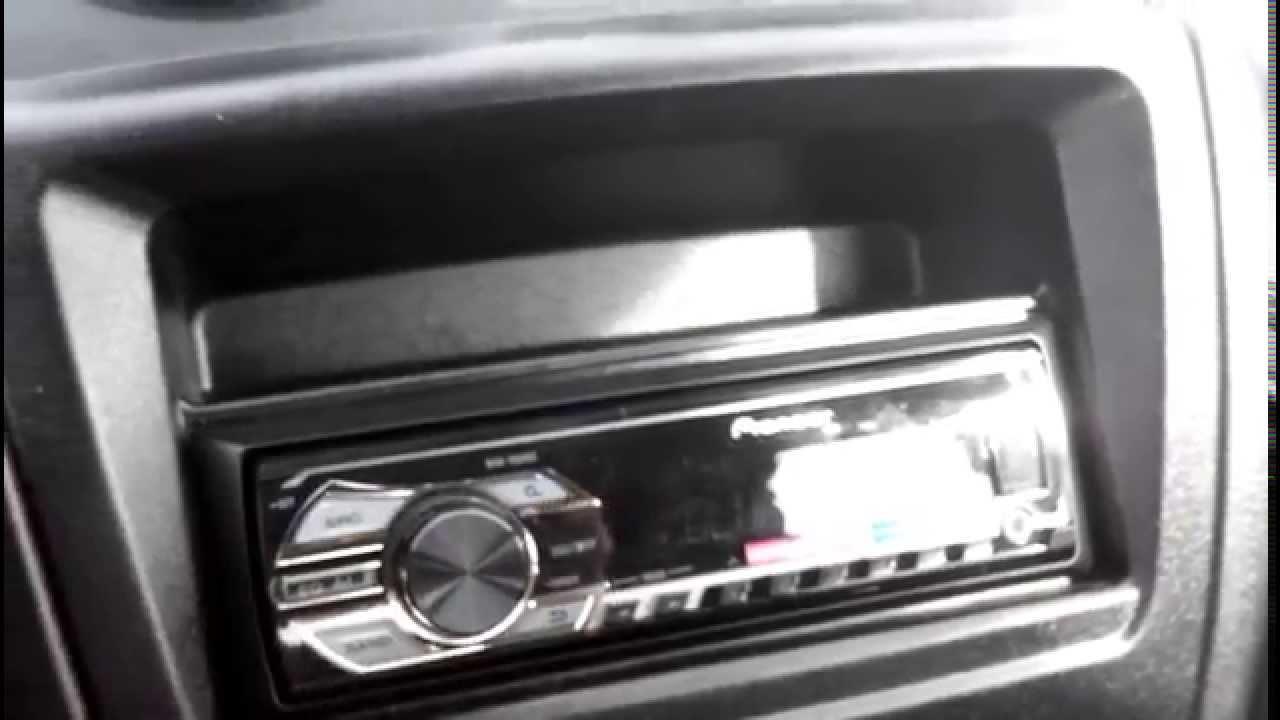Если вы планируете купить автоакустику, то можете приобрести готовый. Использующаяся в авто акустика легко устанавливается и долго служит.