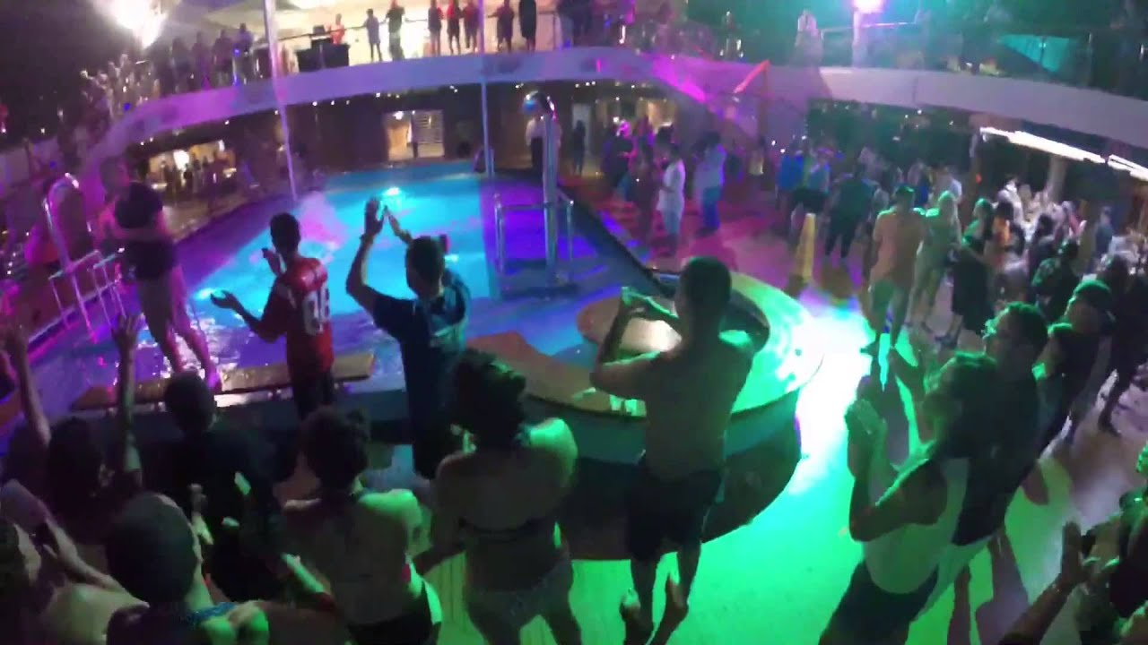 Pool Party aboard the Carnival Triumph #YSBH #CruiseLife ...
