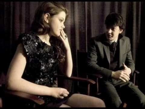 skandar keynes and georgie henley relationship test