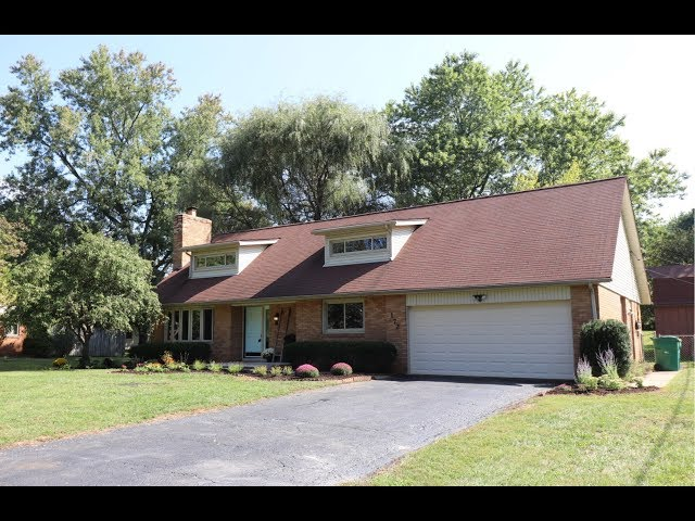 172 Glenview Dr Beavercreek OH 45440-Beautiful Home with Updated Kitchen & Baths!