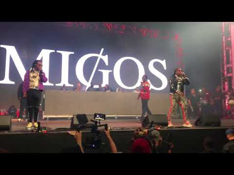 """Migos & Gucci Mane """"I Get the Bag"""" Live @ Rolling Loud 2017"""