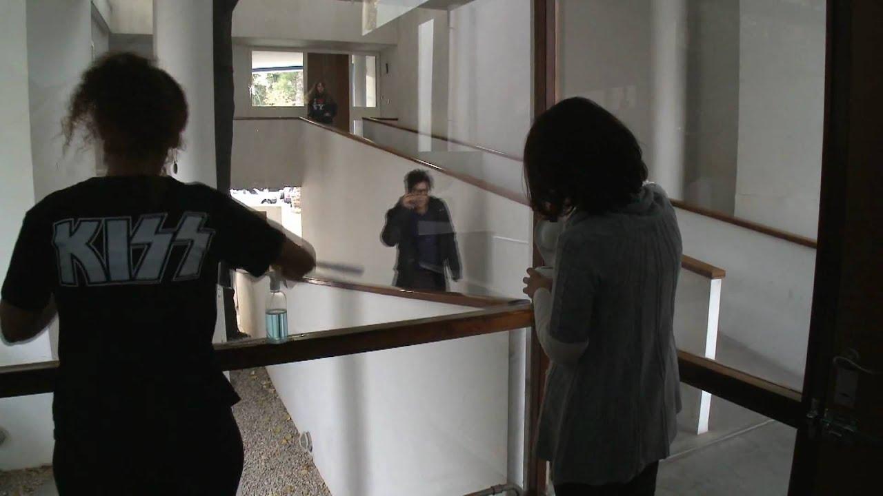 El Hombre De Al Lado Trailer Oficial Youtube