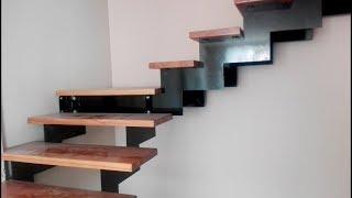 видео Металлические лестницы на второй этаж загородного дома и дачи