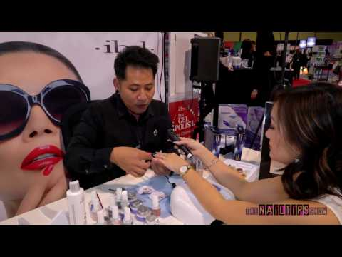 Holographic Chrome and Marbling nails with Sean Phan Using IBD Products at ISSE Long Beach 2017