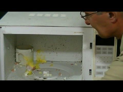 Experimento con microondas 4 (huevo entero dentro)--Experiment with microwave 4 (whole egg inside)