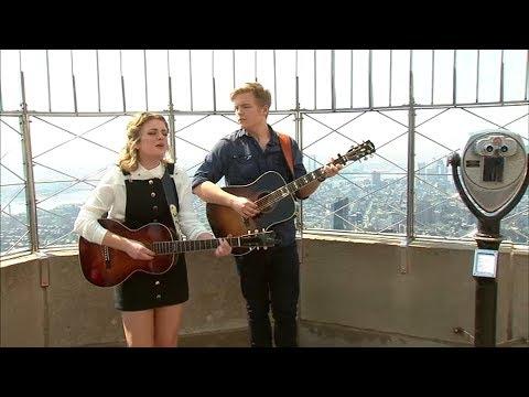 'American Idol' winner, boyfriend runner-up perform atop Empire State Building