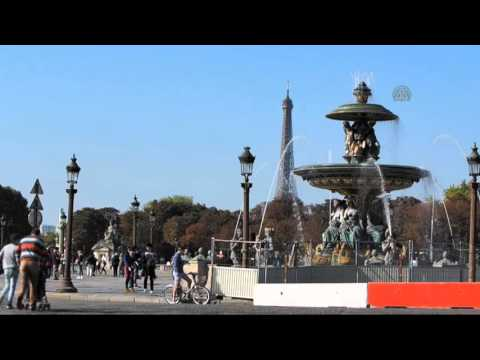Paris goes car free day to tackle air pollution