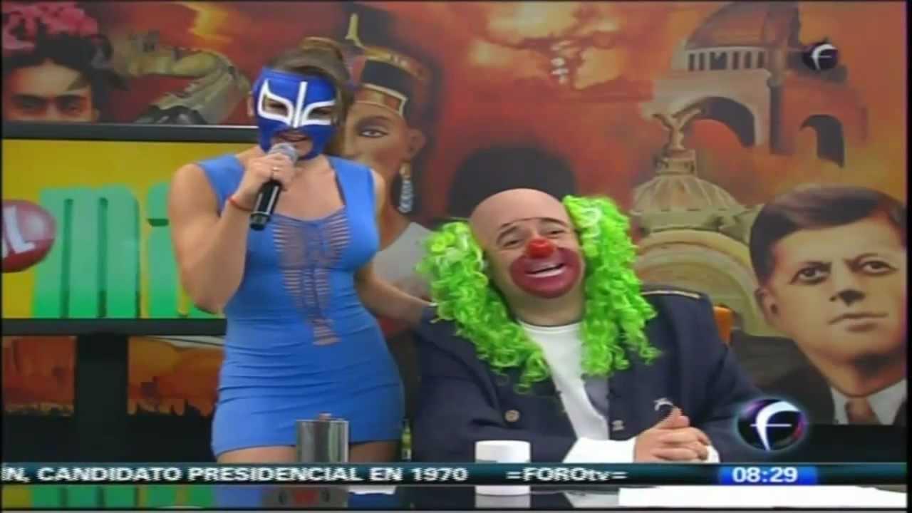 La Reata de Brozo con Vestido Azul 22Oct2012 - YouTube