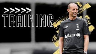 💪 Allegri takes his First Training Session of the 2021/22 Season! | Juventus