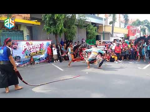 "SMK N 1 Kediri !!! Punya Kesenian Kuda Lumping ""Car Free Day Jl.Dhoho Kota Kediri"" Part 1"