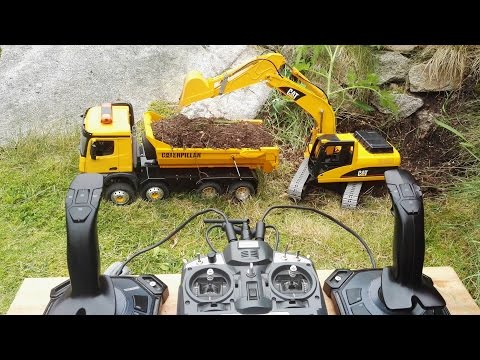 RC Excavator - Cat 320 with joysticks