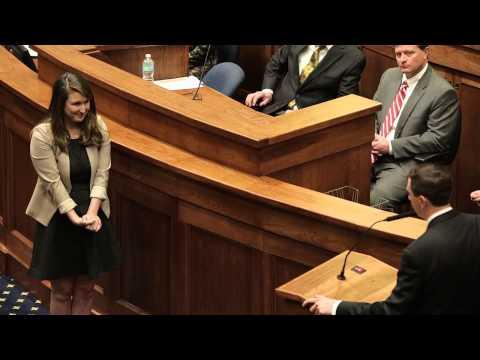 Alabama Senator proposes to girlfriend on Senate floor