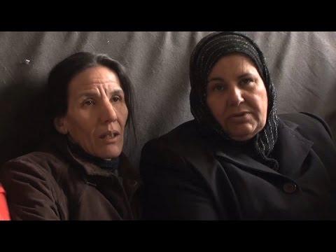 Dos mujeres refugiadas