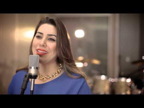 Naiara Azevedo - OBRIGADO MÃE (Clipe Oficial)