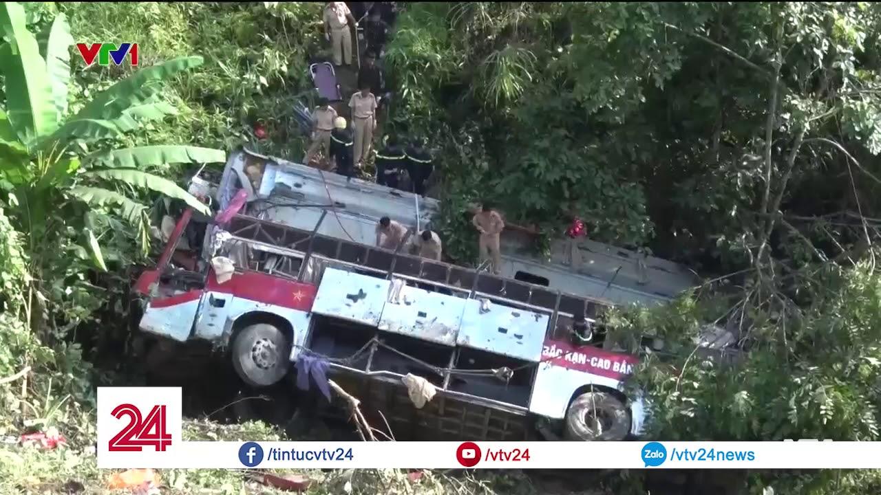Xe khách lao xuống vực, 4 người tử vong - Tin Tức VTV24