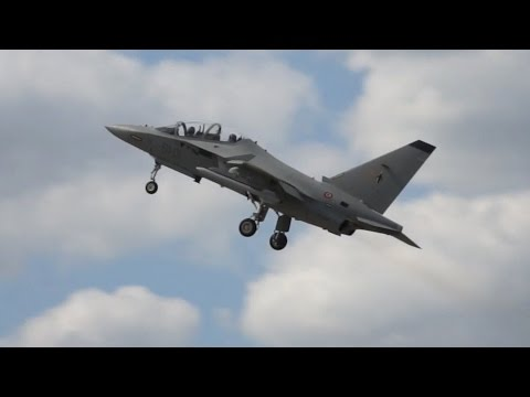 Alenia Aermacchi M-346 flying display at Farnborough Airshow 2014