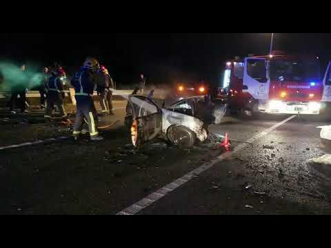 Dos muertos en un brutal accidente en el corredor Nadela-Monforte